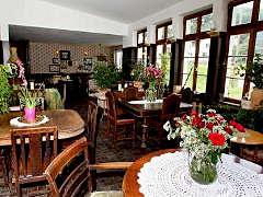 Das Wohnzimmer Mit Galerie In Virneburg